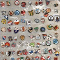 Coleccionismo deportivo: 106 PINS DE FUTBOL DE 2º Y 3º DIVISION Y UNOS 10 ESTRANGEROS. Lote 129088687