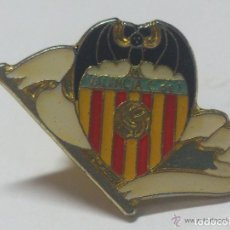 Coleccionismo deportivo: PIN VALENCIA CLUB DE FUTBOL. Lote 129706731