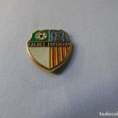 Coleccionismo deportivo: PIN FUTBOL- FALSET ESPORTIU (TARRAGONA). Lote 256076245