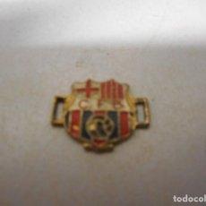 Coleccionismo deportivo: CURIOSO TIPO PIN C F BARCELONA FUTBOL. Lote 130628658