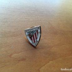 Coleccionismo deportivo: PIN ESCUDO ATHLETIC CLUB BILBAO. Lote 131359431