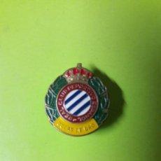 Coleccionismo deportivo: INSIGNIA SOLAPA BODAS DE ORO RCD ESPANYOL ESPAÑOL ORIGINAL. Lote 133612054