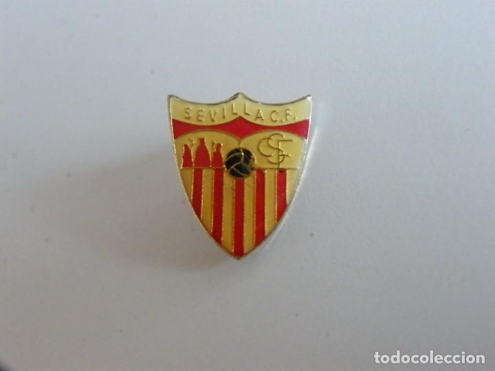 ANTIGUO PIN DEL SEVILLA CF (Coleccionismo Deportivo - Pins de Deportes - Fútbol)