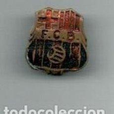 Coleccionismo deportivo: ANTIGUO PIN INSIGNIA - F.C. BARCELONA -. Lote 135324458