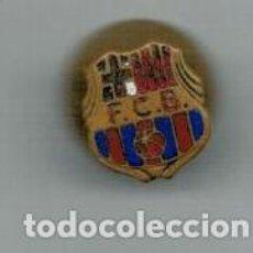 Coleccionismo deportivo: ANTIGUO PIN INSIGNIA - F.C. BARCELONA -. Lote 135324702