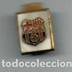 Coleccionismo deportivo: ANTIGUO PIN INSIGNIA - F.C. BARCELONA -. Lote 135324854