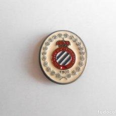 Coleccionismo deportivo: ESPAÑOL - PIN DEL REIAL CLUB DEPORTIU ESPANYOL 1900 - NUEVO - FOTO DORSO. Lote 135834170