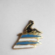 Coleccionismo deportivo: ESPAÑOL - PIN DEL R.C.D. ESPANYOL- NUEVO - FOTO DORSO. Lote 135837082