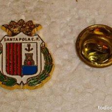 Coleccionismo deportivo: PIN DE DEPORTES. FÚTBOL MODESTO. ESCUDO EQUIPO. SANTA POLA CF ALICANTE. Lote 141595038