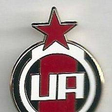 Coleccionismo deportivo: INSIGNIA / PIN DE EQUIPO DE FÚTBOL - A.D. UNION ADARVE. Lote 148177232