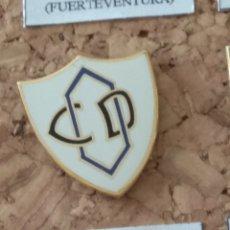 Coleccionismo deportivo: PIN FÚTBOL, C. D. OLIMPIA. Lote 143151194
