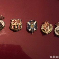 Coleccionismo deportivo: LOTE 5 PINS DE FÚTBOL. Lote 143176393