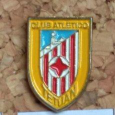 Coleccionismo deportivo: PIN FÚTBOL, TETUAN. Lote 143571608