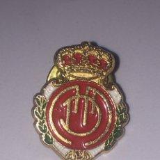Coleccionismo deportivo: PIN R.C.D MALLORCA 2X1.5CM. Lote 144206453