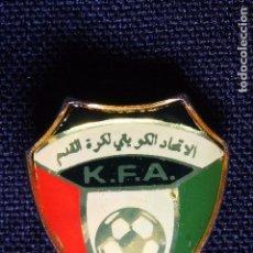 Coleccionismo deportivo: INSIGNIA ALFILER-KUWAIT SELECCION NACIONAL FUTBOL . Lote 145019042