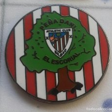 Coleccionismo deportivo: PINS ATHLETIC CLUB BILBAO PIN PEÑA DANI EL ESCORIAL. Lote 145824258