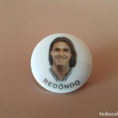 Coleccionismo deportivo: ANTIGUO PIN DE FERNANDO REDONDO - CD TENERIFE. Lote 146001630