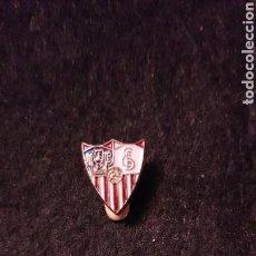 Coleccionismo deportivo: PIN INSIGNIA SOLAPA ESCUDO SEVILLA F.C.. Lote 146153254