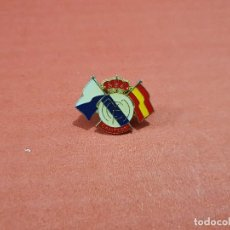 Coleccionismo deportivo: ANTIGUO PIN DEL REAL MADRID..... Lote 147455366