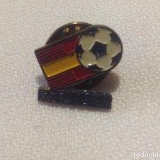 Coleccionismo deportivo: PIN MUNDIAL ESPAÑA 82. Lote 148232186