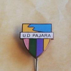 Coleccionismo deportivo: PIN CANARIAS UD PAJARA. Lote 148553634