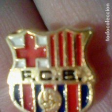Coleccionismo deportivo: BARCELONA CLUB F PIN FUTBOL PINTURA LACADA. Lote 151434678