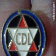 Coleccionismo deportivo: LOGROÑES DEPORTIVO CLUB FUTBOL PIN PINTURA LACADA. Lote 151437526