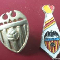 Coleccionismo deportivo: DOS PINS BONITOS VALENCIA CF FUTBOL. Lote 155691336