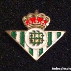 Coleccionismo deportivo: PIN ESCUDO EQUIPO FUTBOL. Lote 155741202