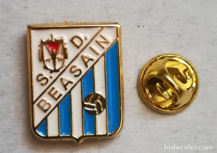 PIN FÚTBOL - SOCIEDAD DEPORTIVA BEASAIN DE GUIPÚZCOA. (Coleccionismo Deportivo - Pins de Deportes - Fútbol)