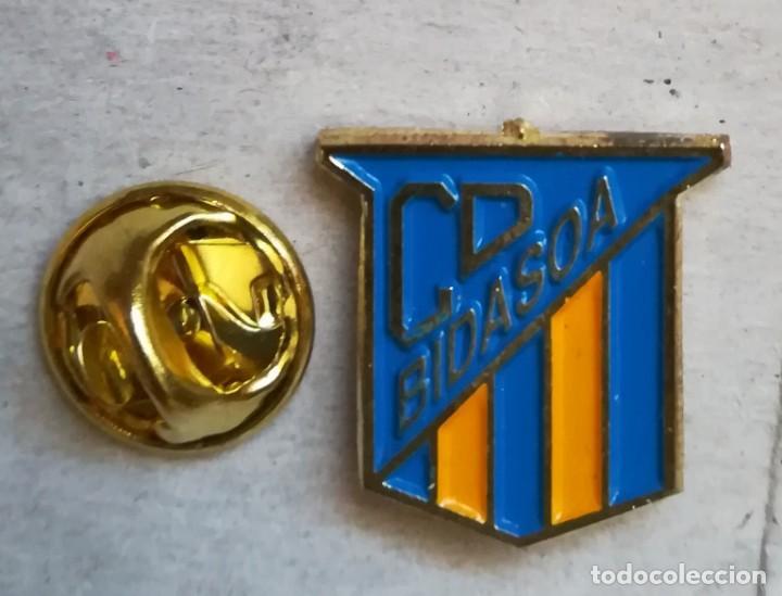PIN FÚTBOL - CLUB DEPORTIVO BIDASOA DE GUIPÚZCOA. (Coleccionismo Deportivo - Pins de Deportes - Fútbol)