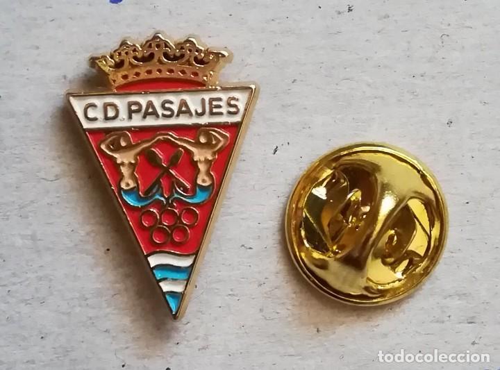 PIN FÚTBOL - CLUB DEPORTIVO PASAJES DE GUIPÚZCOA. (Coleccionismo Deportivo - Pins de Deportes - Fútbol)