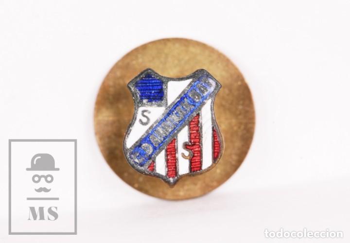 INSIGNIA DE OJAL ESMALTADA - CLUB DEPORTIVO AMAIKAK BAT, SAN SEBASTIÁN - INDUSTRIAS EGAÑA, MOTRICO (Coleccionismo Deportivo - Pins de Deportes - Fútbol)