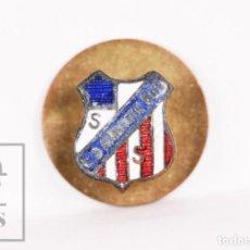 Coleccionismo deportivo: INSIGNIA DE OJAL ESMALTADA - CLUB DEPORTIVO AMAIKAK BAT, SAN SEBASTIÁN - INDUSTRIAS EGAÑA, MOTRICO. Lote 156145106