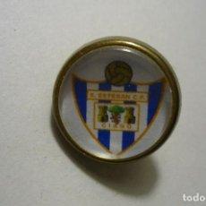 Coleccionismo deportivo: PIN FUTBOL S.ESTEBAN -FED.ASTURIANA. Lote 156420066