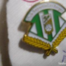 Coleccionismo deportivo: PIN FUTBOL CD LES BORGES .-FED.CATALANA . Lote 156422370