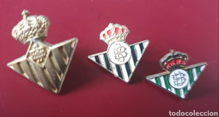 BONITO LOTE DE 3 PINS REAL BETIS SEVILLA (Coleccionismo Deportivo - Pins de Deportes - Fútbol)