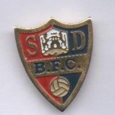 Coleccionismo deportivo: PIN DE FUTBOL-S.D.BALMASEDA DE VIZCAYA. Lote 157005674
