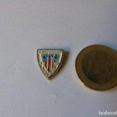 Coleccionismo deportivo: ANTIGUO PIN DEL CLUB DEPORTIVO LUGO. Lote 157010210