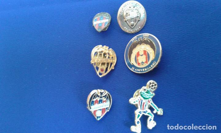 PINS DEL LEVANTE UNION DEPORTIVA- ANIVERSARIOS (Coleccionismo Deportivo - Pins de Deportes - Fútbol)
