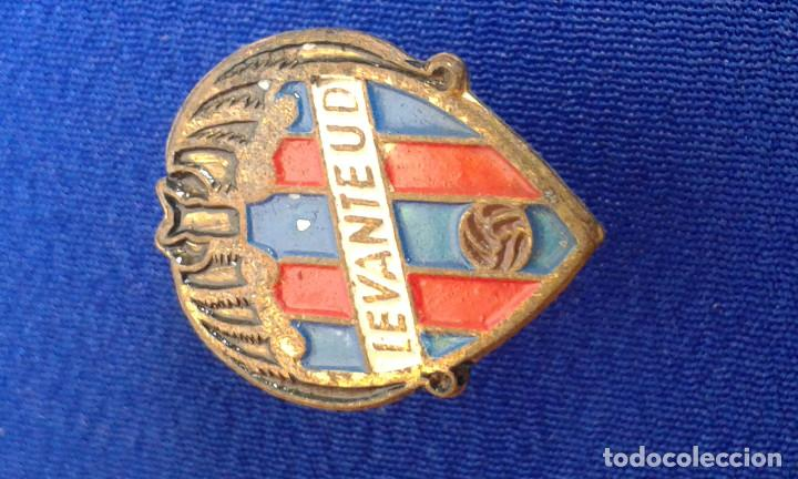 Coleccionismo deportivo: PINS DEL LEVANTE UNION DEPORTIVA- ANIVERSARIOS - Foto 9 - 158174514