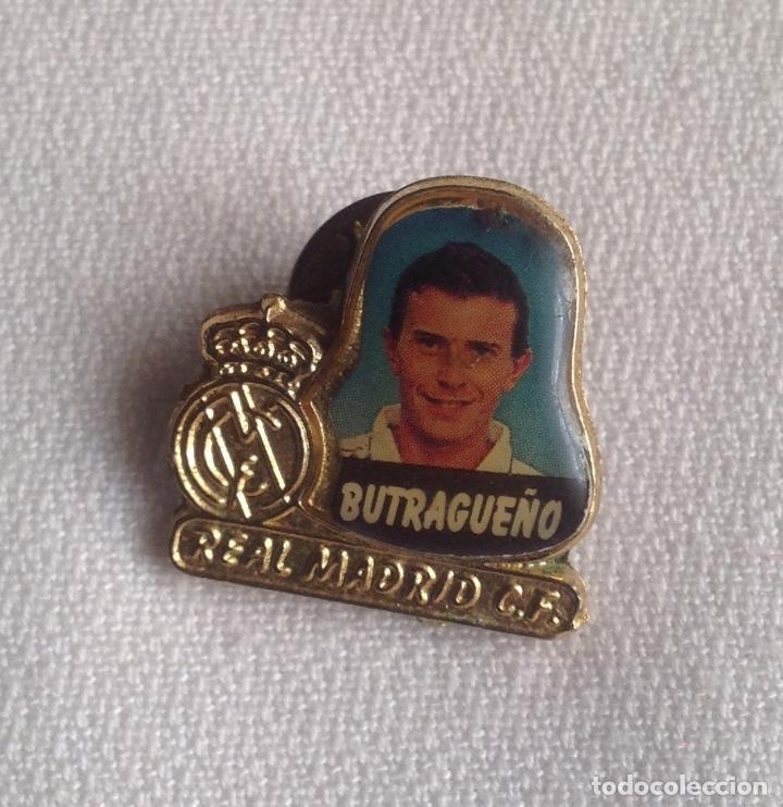 Coleccionismo deportivo: REAL MADRID C.F. : LOTE 4 PINS INSIGNIAS VARIOS REAL MADRID - Foto 4 - 159409226