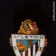 Coleccionismo deportivo: ATLETICO BILBAO ANTIGUA INSIGNIA DE OJAL. Lote 161718638