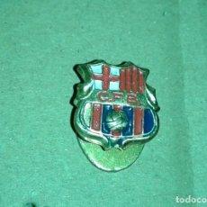 Coleccionismo deportivo: -PIN INSIGNIA DE OJAL DE FUTBOL DEL BARCELONA CFB AÑOS 60 - 70. Lote 161724622