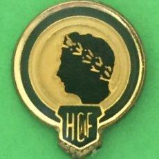 Collezionismo sportivo: INSIGNIA/PIN DEL EQUIPO DE FÚTBOL HÉRCULES DE ALICANTE CF (ALICANTE). Lote 163742874