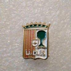 Coleccionismo deportivo: PINS FÚTBOL UNION DEPORTIVA FRAGA (HUESCA). Lote 164929042