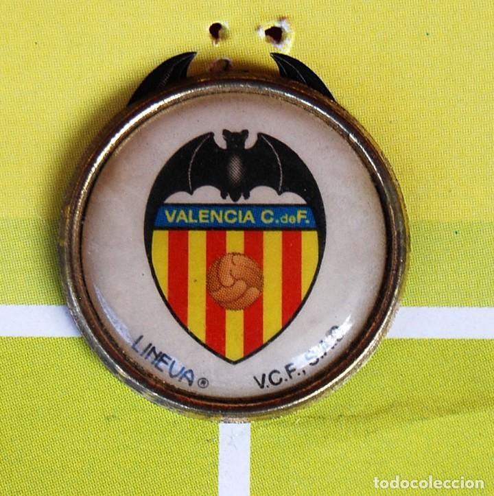 Coleccionismo deportivo: LOTE DE 21 PINS ALINEACIÓN VALENCIA C F TEMPORADA 95-96 MESTALLA LINEVA . DIFÍCIL - Foto 2 - 165994658