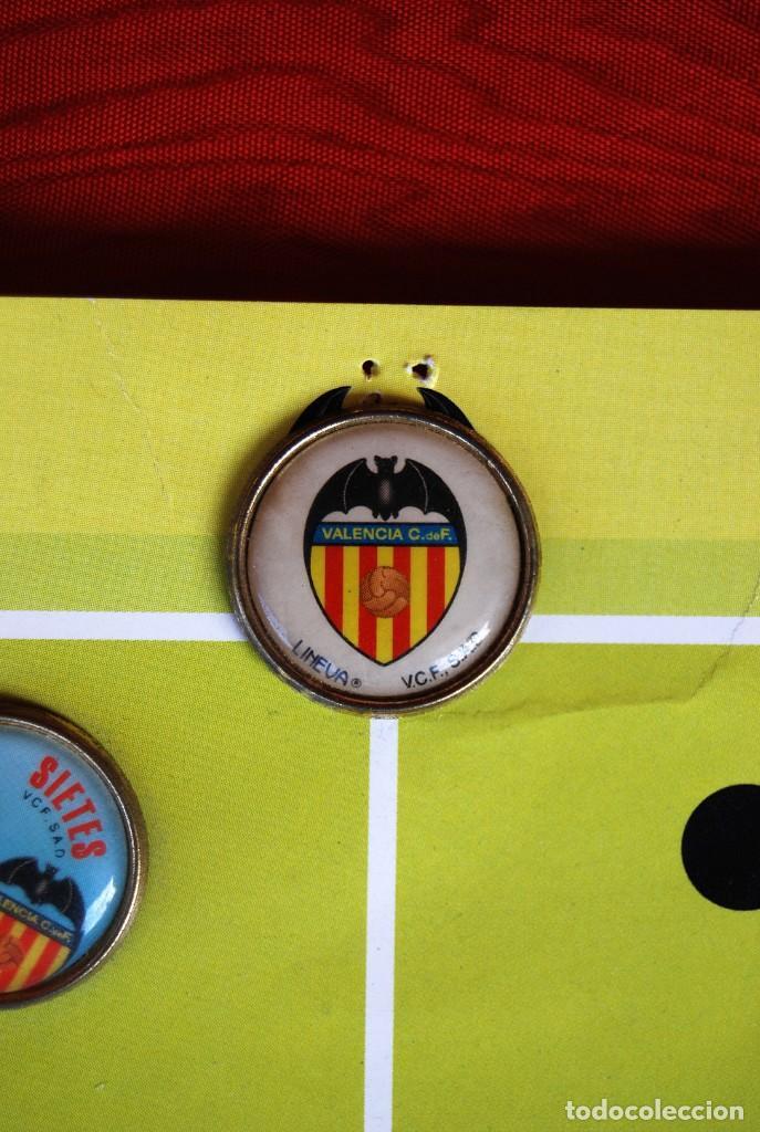 Coleccionismo deportivo: LOTE DE 21 PINS ALINEACIÓN VALENCIA C F TEMPORADA 95-96 MESTALLA LINEVA . DIFÍCIL - Foto 3 - 165994658