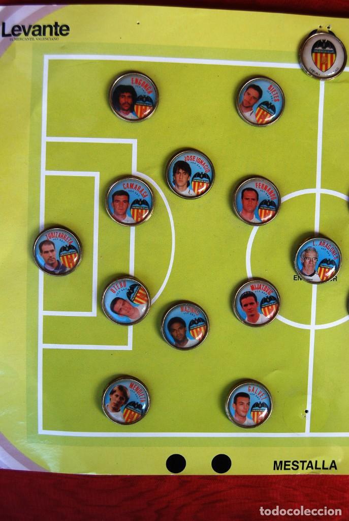 Coleccionismo deportivo: LOTE DE 21 PINS ALINEACIÓN VALENCIA C F TEMPORADA 95-96 MESTALLA LINEVA . DIFÍCIL - Foto 6 - 165994658