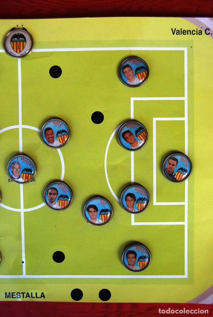 Coleccionismo deportivo: LOTE DE 21 PINS ALINEACIÓN VALENCIA C F TEMPORADA 95-96 MESTALLA LINEVA . DIFÍCIL - Foto 7 - 165994658